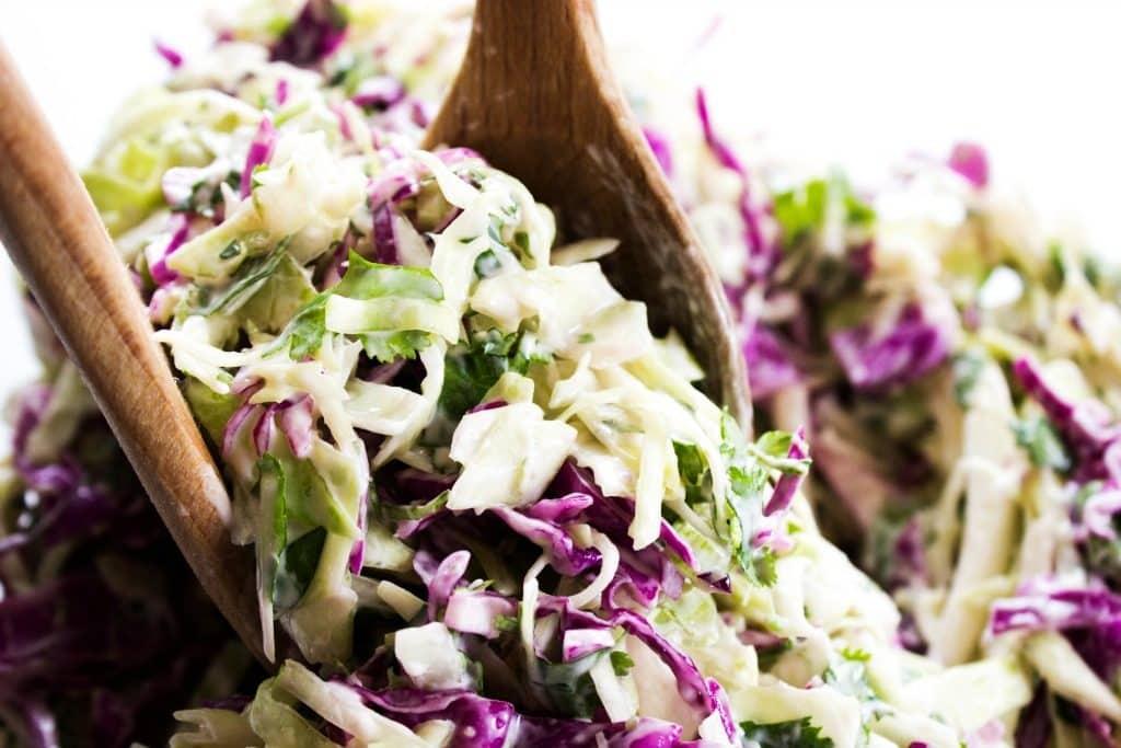 Ensalada de repollo con cilantro